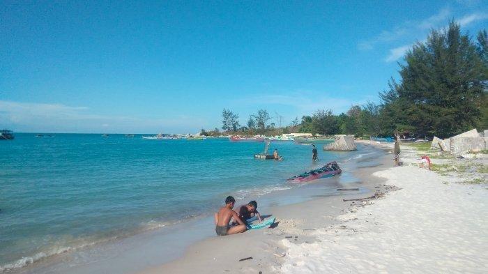 Masuk Pantai di Kabupaten Bangka Wajib Menunjukan Bukti Vaksinasi, Pantai Mana Saja?