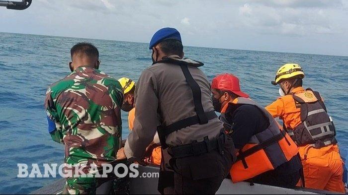 Detik-Detik Menegangkan saat Evakuasi Mayat Misterius, Personel Basarnas Ini Terjun ke Laut