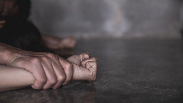 Suami Antar Istri Layani Pelanggan Pijat di Kos, yang Terjadi Malah Diperkosa 3 Pria Bergiliran