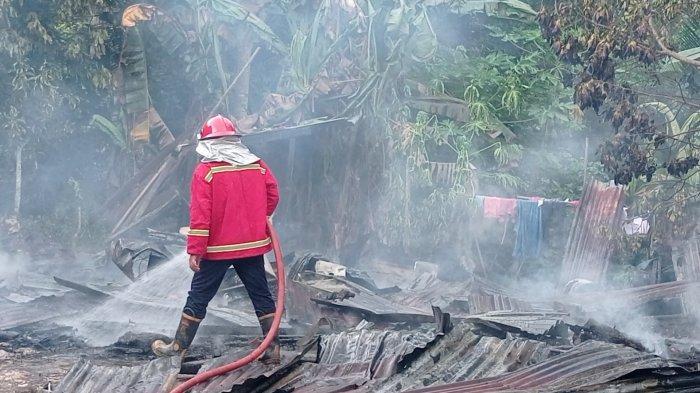Airmata Reza Jatuh Berderai, Rumah Miliknya Hangus Terbakar Hanya Tinggal Puing,Ijazah Anak Jadi Abu