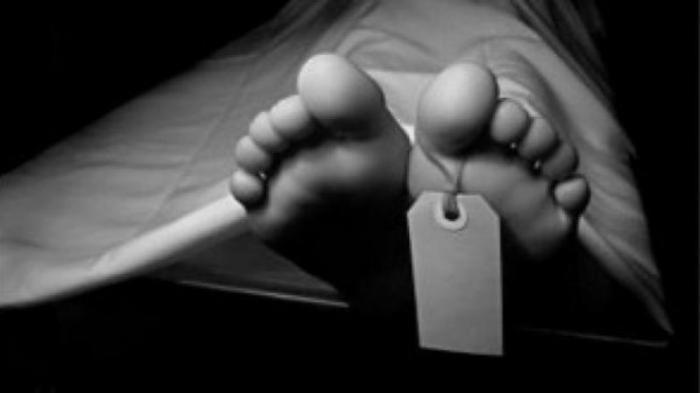 Diduga Terlilit Utang, Anak Dibekap Hingga Tewas, Suami Syok Lihat Istri Gantung Diri