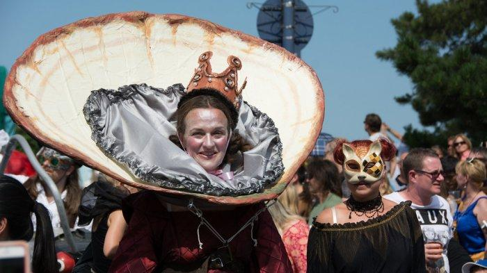 3 Festival Makanan Populer di Dunia, Ada Bau Nyale hingga Kompetisi Makan Tiram