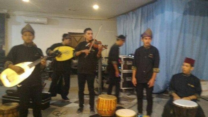 Gitarnya Berkepala Rusa Ciri Khas Alat Musik Dambus Bangka Belitung