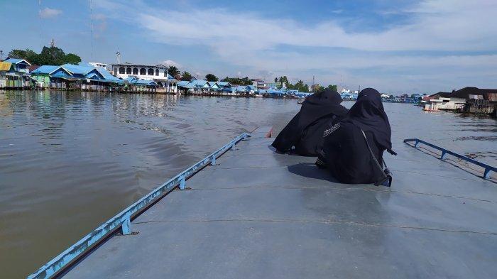 Wisata Susur Sungai di Kota Banjarmasin, Membelah Sungai Martapura dari Atas Kelotok