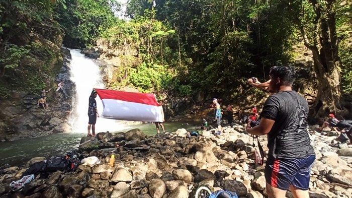 Air Terjun Tumaung, Keindahan Alam Tersembunyi Dibalik Pedalaman Pegunungan Meratus Kabupaten HST