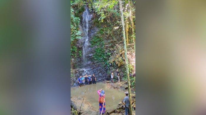 Wisata Kalsel, Eksotik Air Terjun Andikian di Tengah Belantara Pegunungan Meratus Kabupaten HST
