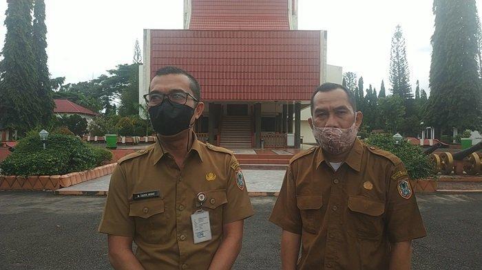 Museum Lambung Mangkurat Kalsel di Banjarbaru, Diusulkan Ada Area Fasilitas Pejualan Sovenir - Kasubag-Tata-Usaha-TU-Museum-Lambung-Mangkurat-M-Taufik-Akbar-kiri-berkacamata.jpg