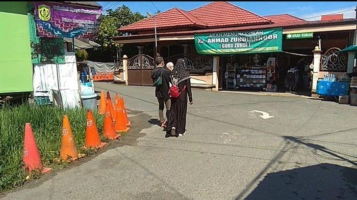 Wisata Religi Kota Banjarmasin, Ziarah ke Makam Guru Zuhdi di Kawasan Masjid Jami Sungai Jingah