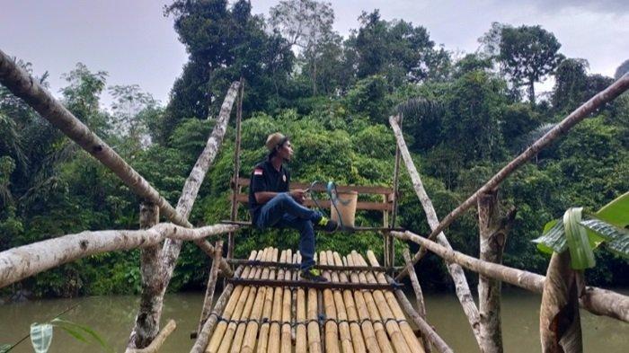 Spot foto wisata Sungai Batu Balah di Desa Nateh Kecamatan Batangalai Timur Kabupaten HST.