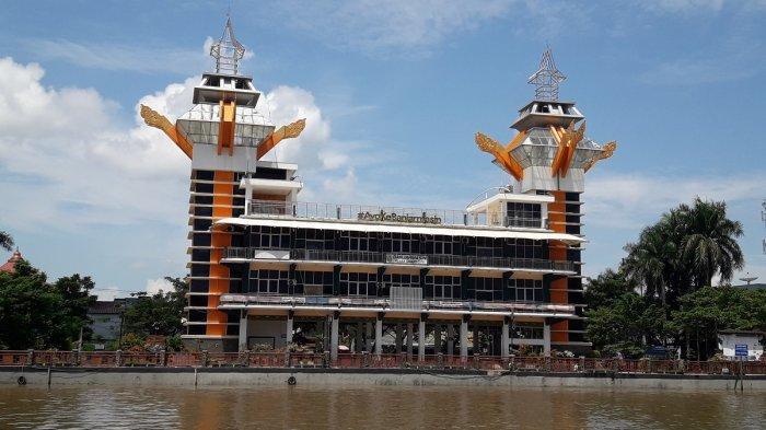Wisata Siring Sungai Martapura, Menyimak Panorama Kota di Ketinggian