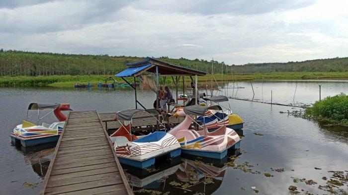 Wisata Alam Baruh Bahinu, Tawarkan Bebek-Bebekan Nikmati Danau