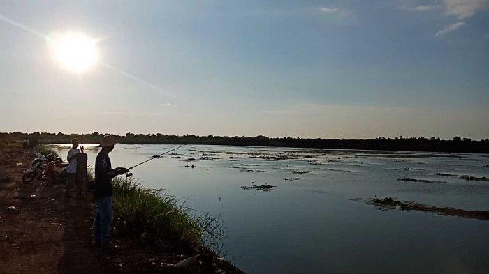 Embung Lokudat Wisata Kalsel di Kota Banjarbaru, Spot Mancing Asyik di Guntung Payung Dekat Bandara - embung-lokudat-banjarbaru-wisata-kalsel-di-kelurahan-guntung-payung-kecamatan-landasan-ulin-03.jpg