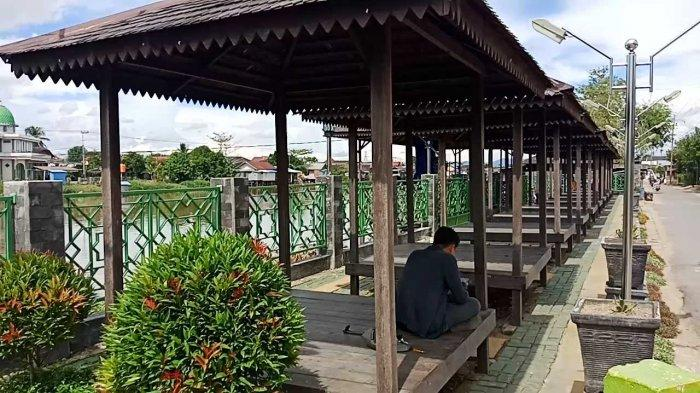 Deretan Gazebo di RTH Kartasuta Jadi Wadah yang Nyaman Menikmati Pemandangan Sungai Martapura