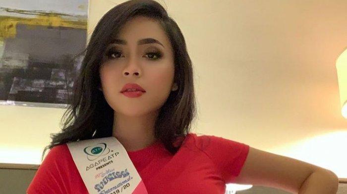 Foto-foto Putri Pariwisata di Ajang Miss Tourism International, Berpose di Tempat Ikonik Malaysia