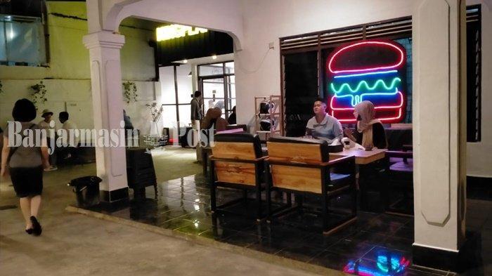 King Play Burger, Tempat Nongkrong Baru di Banjarbaru yang Modifikasi Rumah Hunian