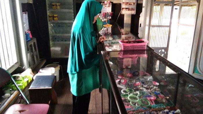 Oleh-oleh Khas Kota Martapura pun Tersedia di Rumah Banjar di Teluk Selong