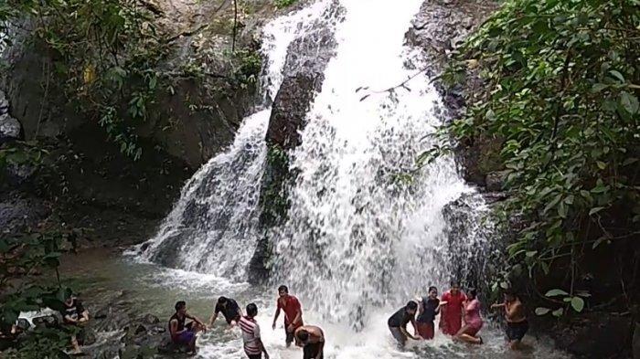 Wisata Kalsel Air Terjun Bajuin Pancoran Lima Kabupaten Tanahlaut, Tracking Nikmati Panorama Alam