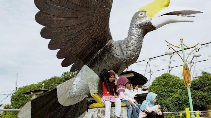 Dari Taman Pasuk Kemeloh Palangkaraya, Pengunjung Biasanya Langsung Mengunjungi ini