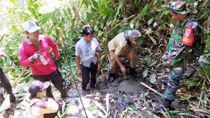 Ada Sumber Air Panas di Dusun Nanai, untuk Mencapai Lokasinya Harus Menyeberang Sungai Berarus Deras
