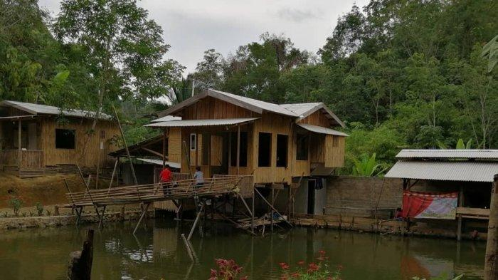 Kampung Bambu Tandilang Dilengkapi Spot Foto di Atas Puncak Tebing