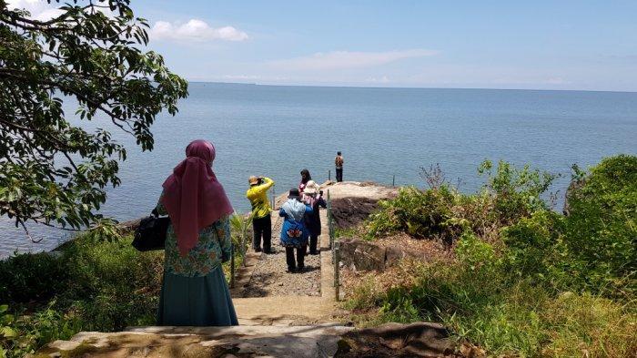 Wisata Kalsel Pulau Datu di Kabupaten Tanahlaut, Hanya Puluhan Menit Perjalanan dari Kota Pelaihari - wisata-kalsel-pulau-datu-di-kabupaten-tanahlaut-dengan-alam-pulau-yang-menawan-03.jpg