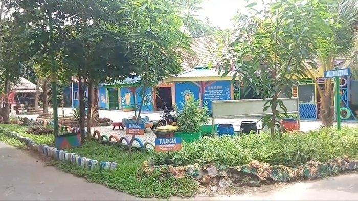 Wisata Kalteng Unik, Ada Taman Warna-warni di TPA Handel Palinget Kabupaten Kapuas