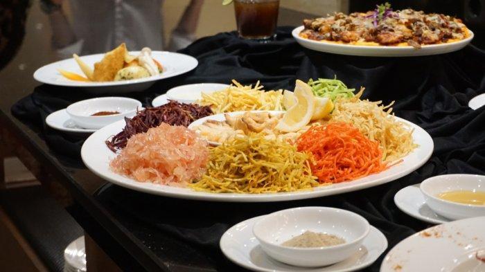 Sambut Imlek 2571 dengan Menikmati Makanan Khas Yu Sheng di Best Western Kindai Hotel Banjarmasin