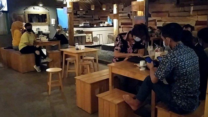 Nongkrong di Kedai Bamboe Banjarmasin, Sediakan Fasilitas Wifi Gratis