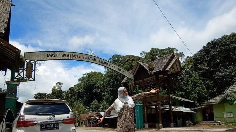 Wisata Kalsel, Gerbang Perbatasan Kalsel Kaltim di Gunung Halat Tabalong Jadi Spot Berswafoto