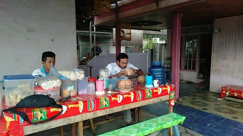 Kuliner Kalsel,  Nikmatnya Wisata Kuliner Kelapa Bakar Plajau Tanbu Kalimantan Selatan