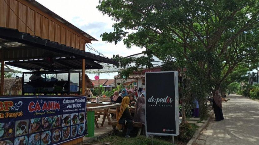 Padis Cafe, Tempat Wisata Outdoor Yang Asik Buat Kumpul Keluarga