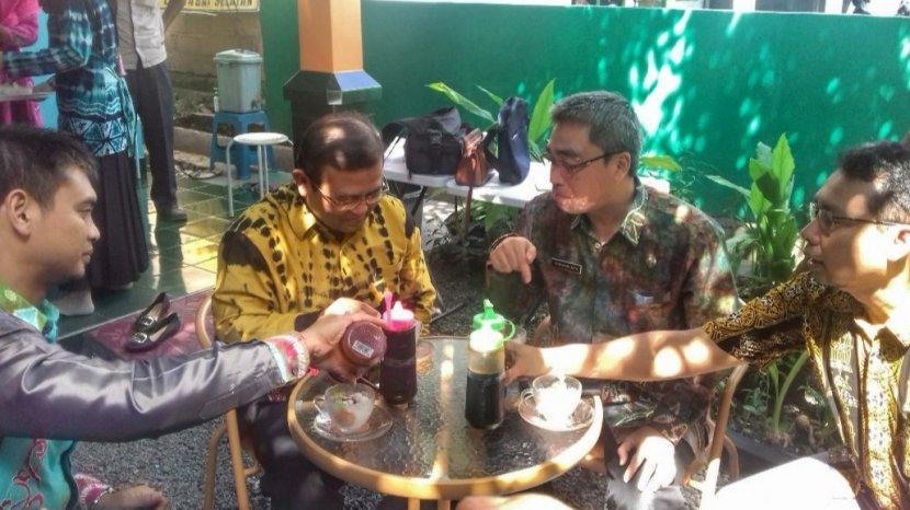 Ditaburi Jahe, Beras Kencur, Es Krim Jamu Kampung Pejabat Banjarbaru Sehat dan Segar