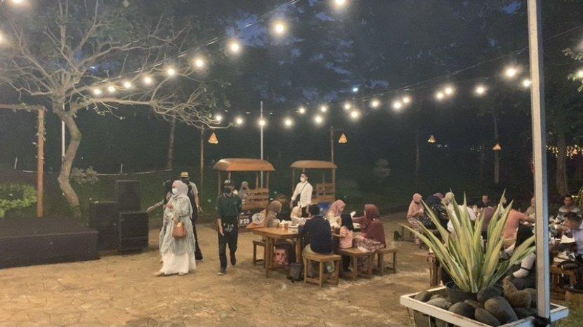 Serunya Ngabuburit Buka Puasa Bersama di Kampung Senja Amanah Borneo Park Banjarbaru