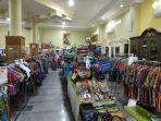 2020_07_24_mamang_suasana-salah-satu-toko-di-kampung-sasirangan.jpg