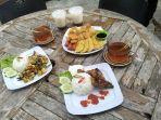 Menu-sajian-makanan-Kopi-Mbaroh-di-Landasan-Ulin-Banjarbaru.jpg