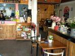 Suasana-di-ruangan-Kafe-Kopi-Ruang-Hati-di-Banjarmasin.jpg