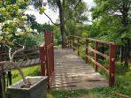 jembatan-di-area-tinggi-di-kawasan-wisata-kalsel-taman-permana-pelaihari-kabupaten-tanahlaut.jpg