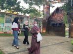 pengunjung-wisata-kalsel-kampung-senja-amanah-borneo-park-banjarbaru.jpg