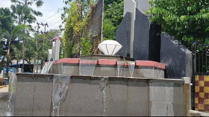 Air Terjun Mini Taman Waterfall Simpang Empat Banjarbaru.