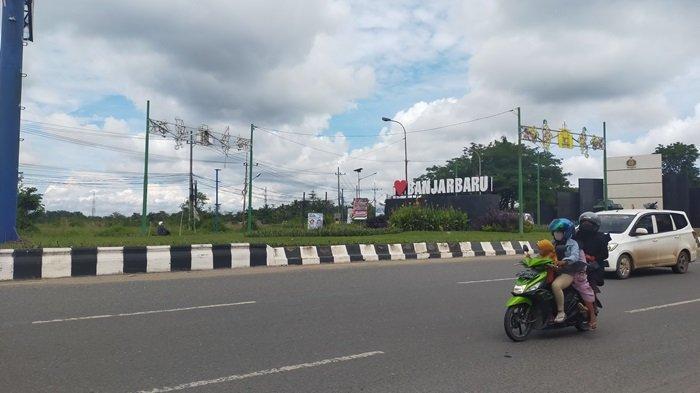 KalselPedia - Ikon I Love Banjarbaru di Bundaran Lianganggang Kota Banjarbaru