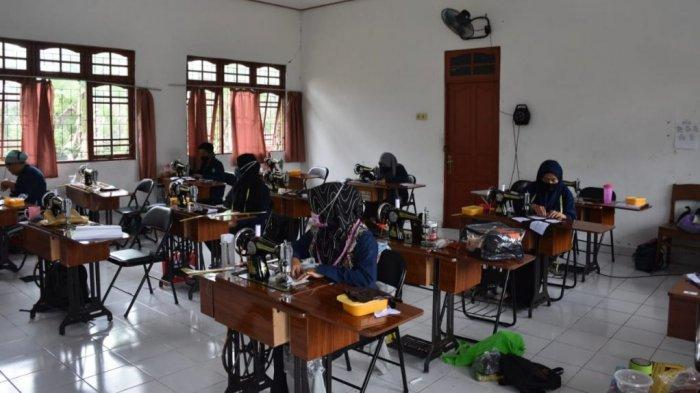 KaltengPedia - Profil UPTD Balai Latihan Kerja Kabupaten Kapuas - Kegiatan-pelatihan-keterampilan-di-UPTD-Balai-Latihan-Kerja-BLK-Kabupaten-Kapuas-Kalteng-01.jpg
