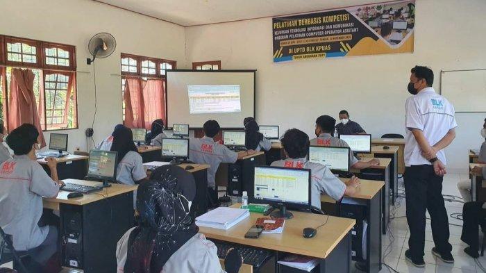 KaltengPedia - Profil UPTD Balai Latihan Kerja Kabupaten Kapuas - Kegiatan-pelatihan-keterampilan-di-UPTD-Balai-Latihan-Kerja-BLK-Kabupaten-Kapuas-Kalteng-03.jpg