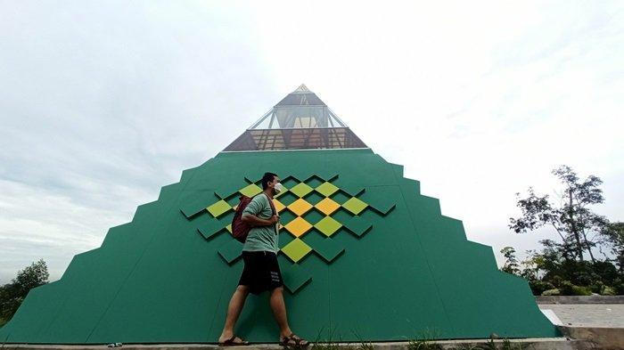 KalselPedia - Piramida Hijau Ikon Taman Palidangan Sanggam Paringin Balangan, Jadi Spot Foto Unik