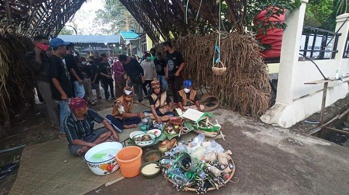 Aruh Adat Mesiwah Pare Gumboh Suku Dayak Deah Balangan Kalsel, Wujud Rasa Syukur Hasil Panen