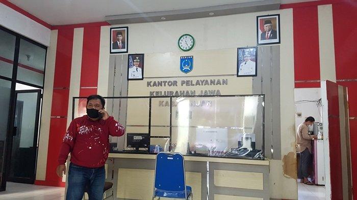 Ruang pelayanan publik kantor Kelurahan Jawa, Kecamatan Martapura, Kabupaten Banjar,Kalsel.