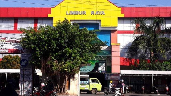 Pasar Limbur Raya Kotabaru, Fasilitas Lift Eskalator Tak Berfungsi Terkesan Mubazir, Ini Alasannya