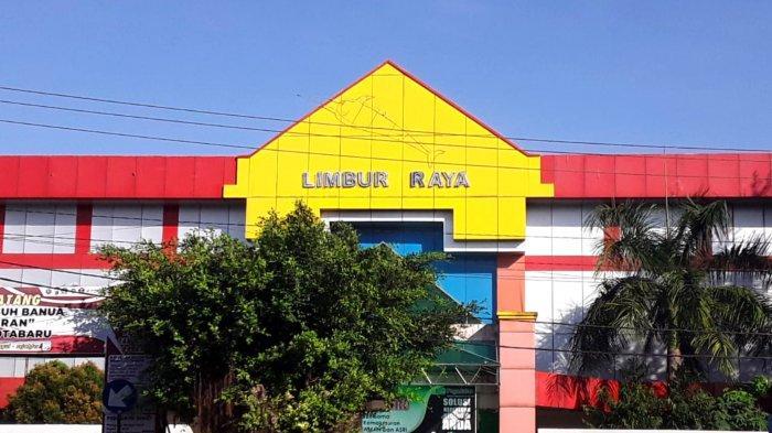 Pasar Limbur Raya Kotabaru, Dilengkapi Fasilitas Lift dan Eskalator Tapi Tak Berfungsi