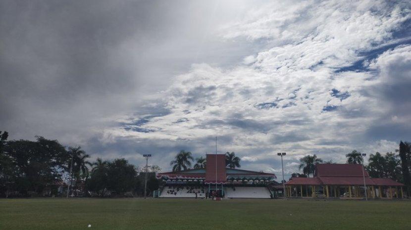 Lapangan Pahlawan Amuntai Kabupaten HSU, Dilengkapai Fasilitas Bangunan Tribun untuk Penonton