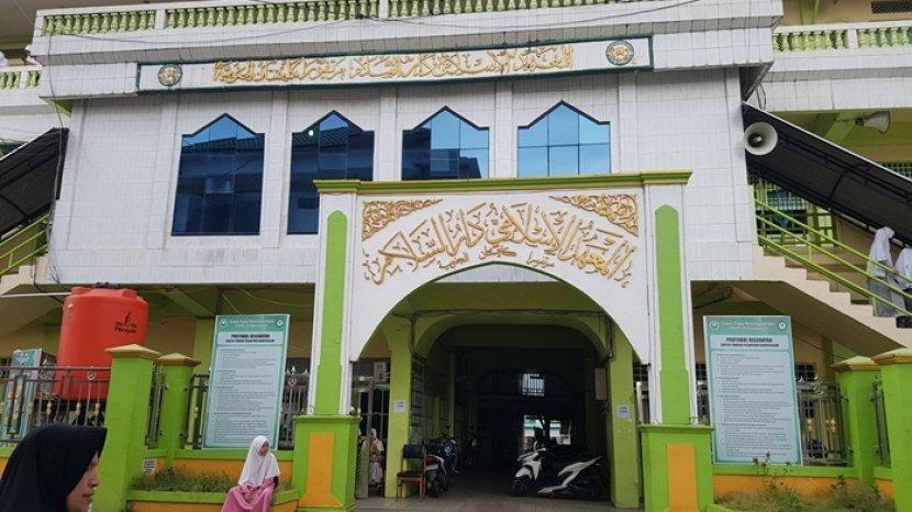 Pondok Pesantren Darussalam Martapura Kalsel, Miliki Ribuan Santri dan Puluhan Ribu Alumni