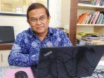 Rektor-Universitas-Lambung-Mangkurat-ULM-Prof-H-Sutarto-Hadi-02.jpg